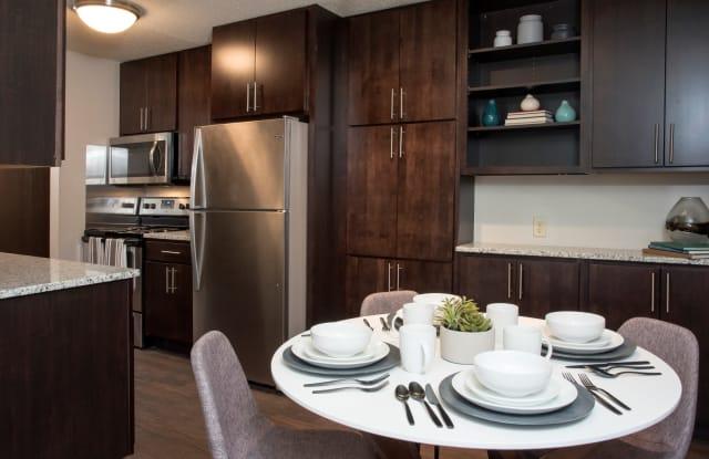 Aspenwoods Apartments - 1125 Duckwood Trl, Eagan, MN 55123