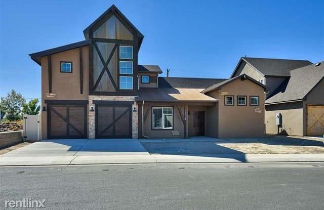 2499 Tiptop Ave B - 2499 Tiptop Avenue, Grand Junction, CO 81505