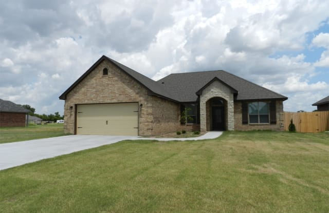 407 Northeast Mountain Meadow Drive - 407 N Mountain Meadow Dr, Cache, OK 73527