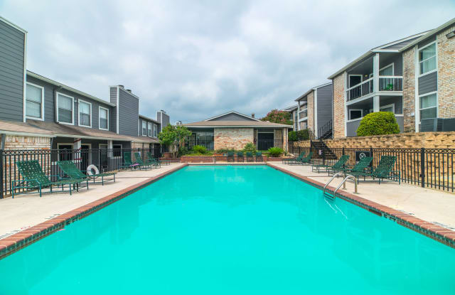 Silver Creek Apartments - 4822 Gus Eckert Rd, San Antonio, TX 78240