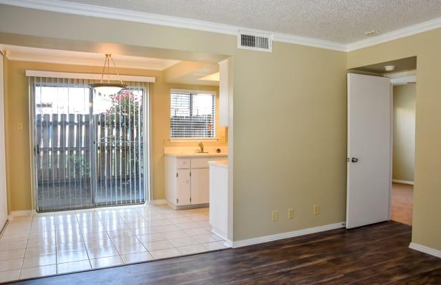Woodway Apartments - 8100 Pinebrook Dr, San Antonio, TX 78230