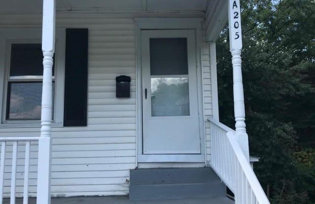 205 AUSTIN AVENUE - 205 Austin Ave, Barrington, NJ 08007