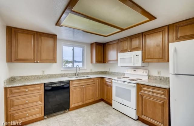 1332 S Cathay Ct 201 - 1332 South Cathay Court, Aurora, CO 80017