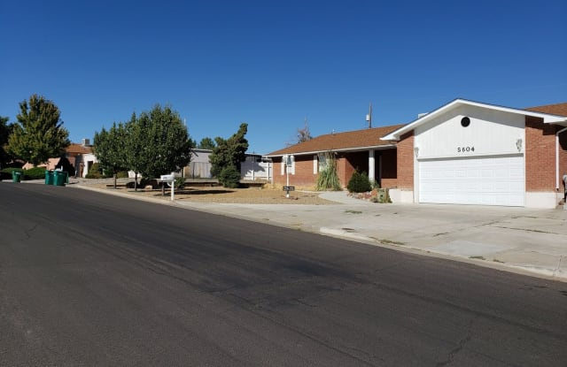 5604 Fawn Drive - 5604 Fawn Drive, Farmington, NM 87402