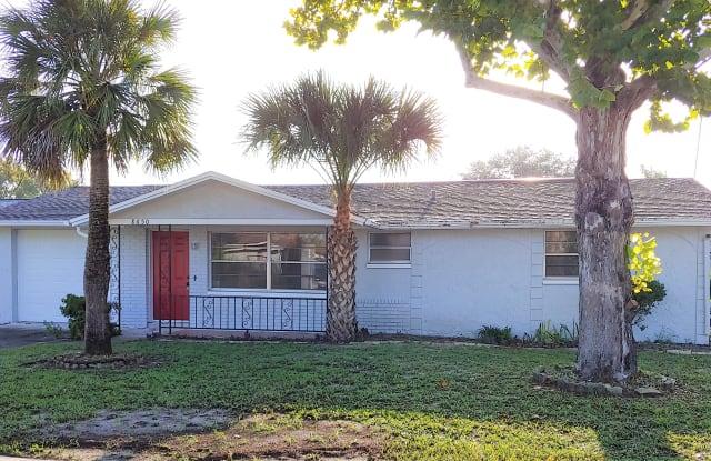 8650 Robilina Rd - 8650 Robilina Road, Jasmine Estates, FL 34668
