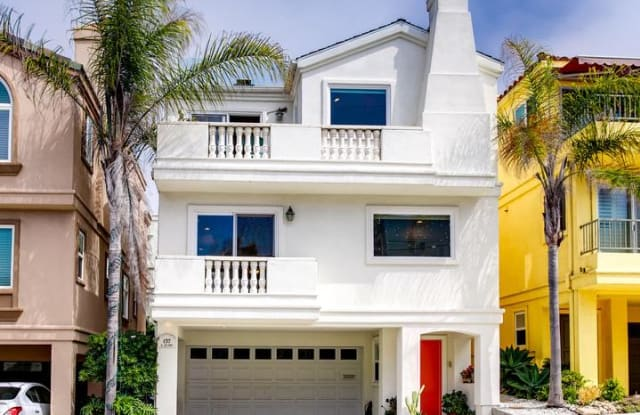 137 LYNDON Street - 137 Lyndon Street, Hermosa Beach, CA 90254