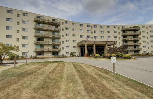 Parkside Towers - 8380 Pearl Rd, Strongsville, OH 44136