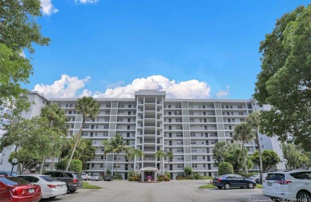 4015 W Palm Aire Dr - 4015 West Palm Aire Drive, Pompano Beach, FL 33069