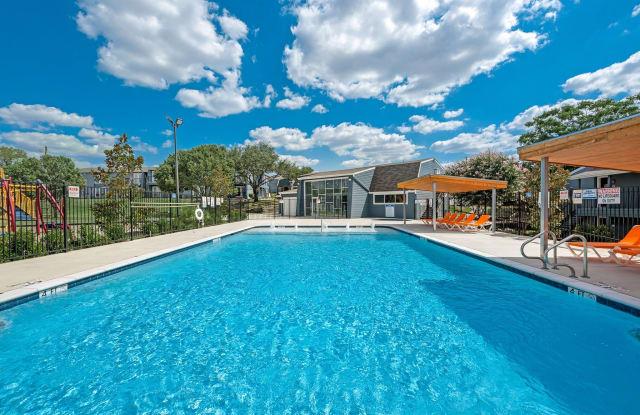 Aero Apartments - 8300 Calmont Ave, Fort Worth, TX 76116