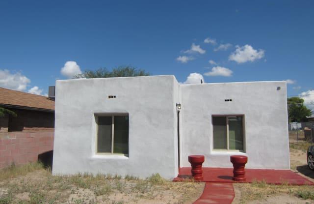 124 W 34th St - 124 West 34th Street, South Tucson, AZ 85713
