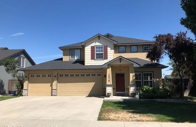 1076 W White Sands Dr - 1076 West White Sands Drive, Meridian, ID 83646