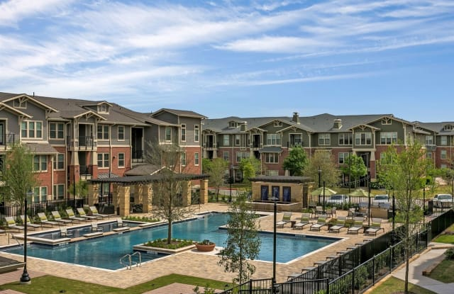 The Berkeley - 2001 Park Hill Dr, Fort Worth, TX 76110