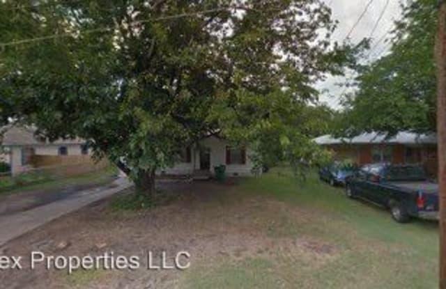 3206 Mitchell - 3206 Mitchell Street, Greenville, TX 75402