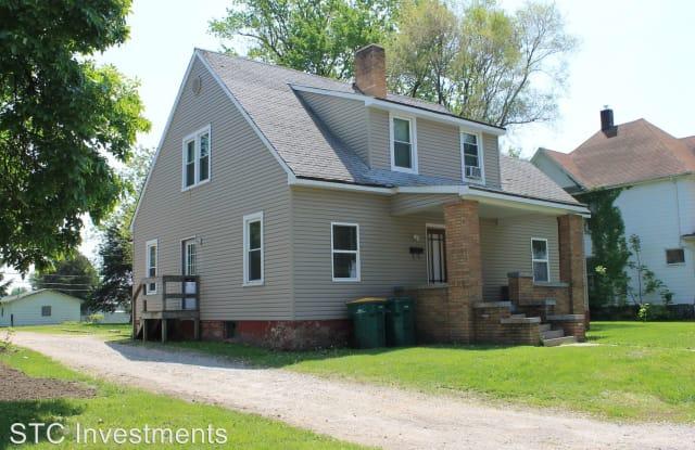 405 1/2 N. Randolph - 405 1/2 N Randolph St, Macomb, IL 61455