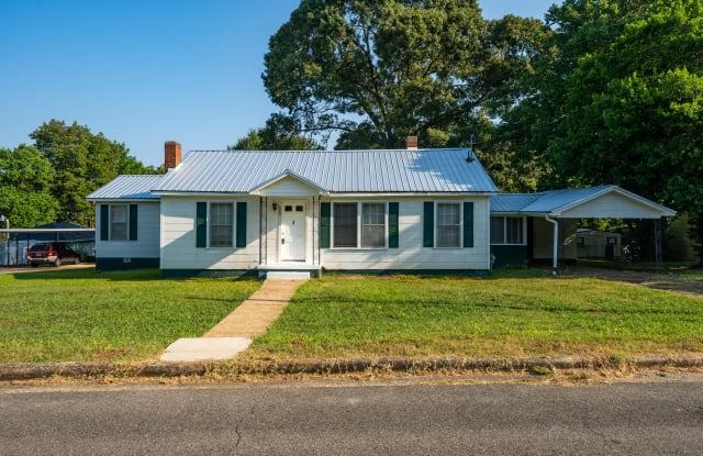 502 Heath St - 502 Heath Street, Talladega, AL 35160