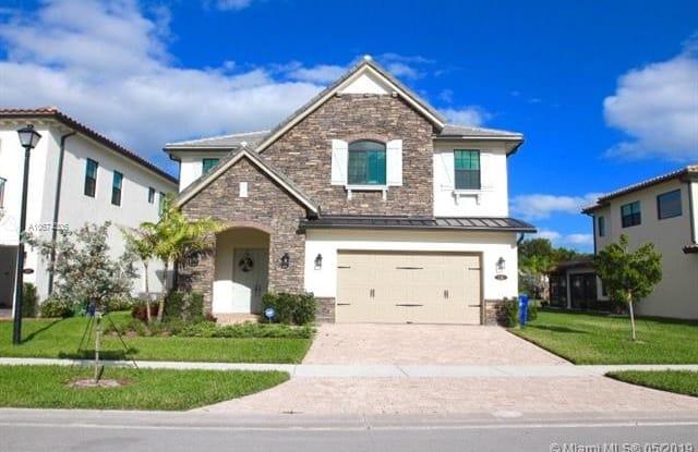 1111 SW 113th Way - 1111 Southwest 113th Way, Pembroke Pines, FL 33025
