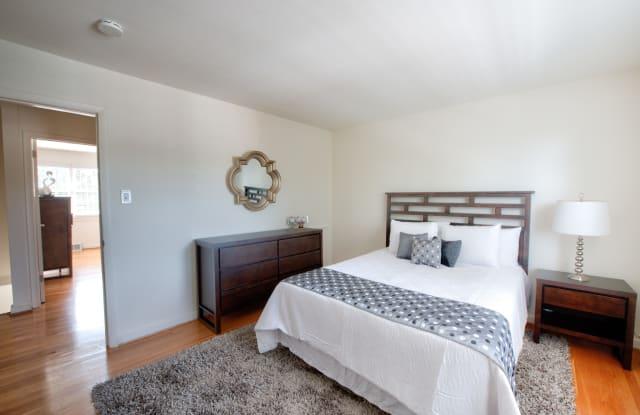Canterbury Square Apartments - 900 Pump Rd, Tuckahoe, VA 23238
