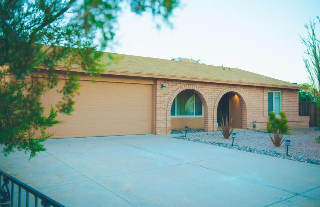 10015 S 46TH Place - 10015 South 46th Place, Phoenix, AZ 85044