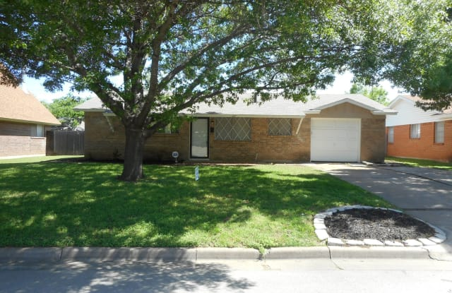 217 SW Gregory St - 217 Southwest Gregory Street, Burleson, TX 76028