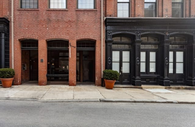 Waterfront Apartments - 30 South Front Street, Philadelphia, PA 19106