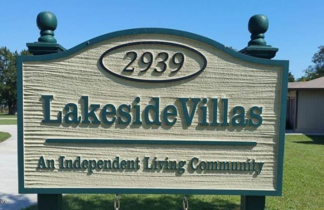 2939 LAKESIDE VILLA DR - 2939 Lakeside Villa Dr, Lakeside, FL 32073