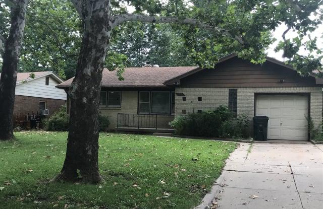 2027 S Edgemoor St - 2027 South Edgemoor Street, Wichita, KS 67218