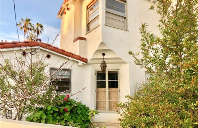 712 Palm Avenue - 712 Palm Ave, Huntington Beach, CA 92648