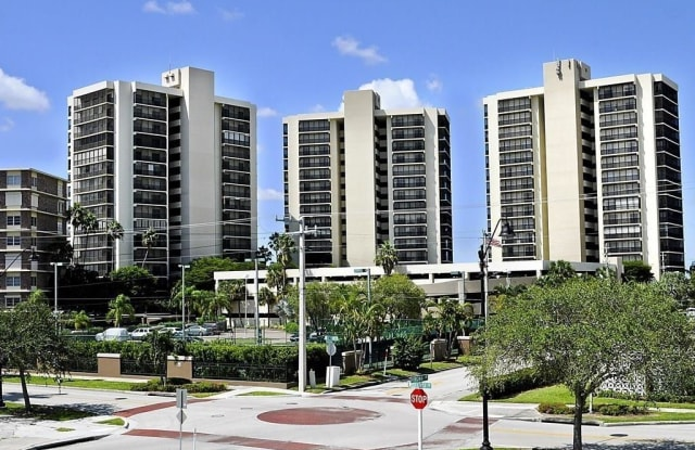 1900 Virginia AVE - 1900 Virginia Ave, Fort Myers, FL 33901