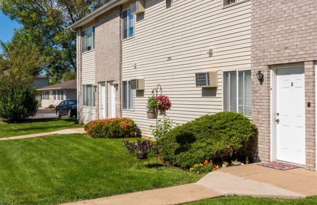 Jersey Meadows - 2700 E 53rd St, Davenport, IA 52807