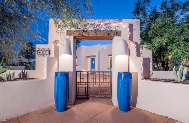 8039 E CHOLLA Street - 8039 East Cholla Street, Scottsdale, AZ 85260