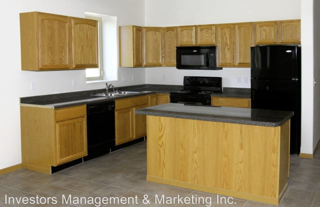 Apartments on Main - 401 South Main Street, Minot, ND 58701