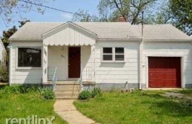 1731 W Walnut St - 1731 West Walnut Street, Springfield, MO 65806