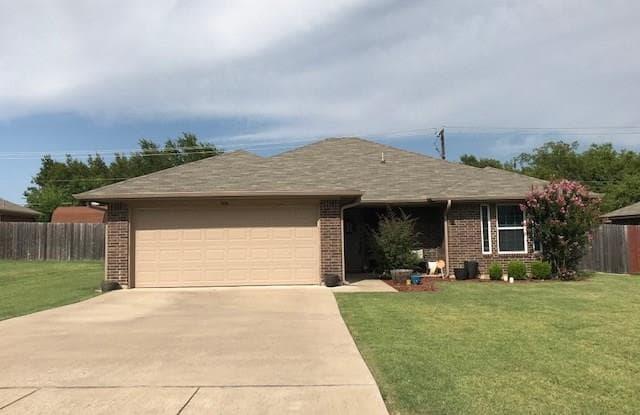 504 Westmeadow Drive - 504 Westmeadow Drive, Cleburne, TX 76033