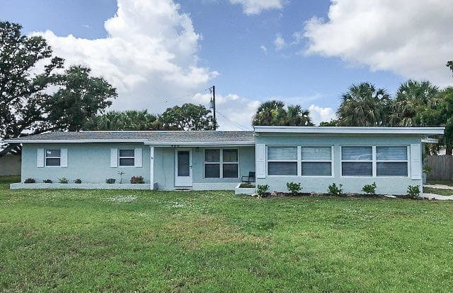 400 Tenth Avenue - 400 10th Avenue, Indialantic, FL 32903