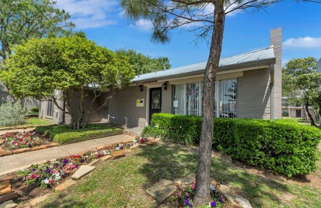 Mission Pointe Club - 917 Del Pas, Burkburnett, TX 76354