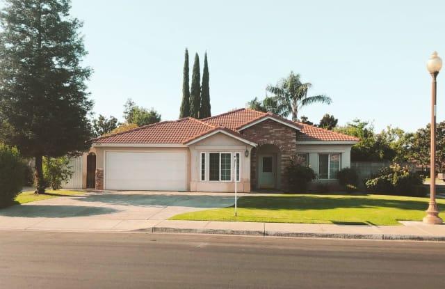 10315 MERSHAM HILL DR. - 10315 Mersham Hill Drive, Bakersfield, CA 93311