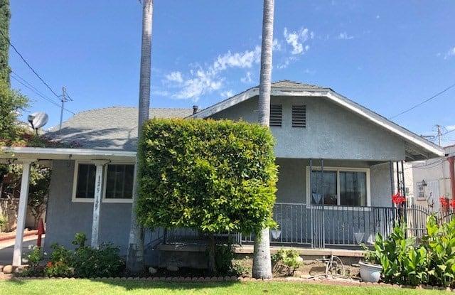 125 W Hillcrest Boulevard - 125 West Hillcrest Boulevard, Inglewood, CA 90301