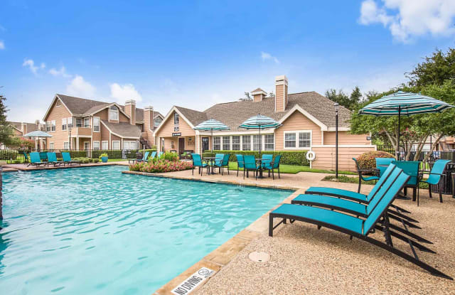 Highlands of Valley Ranch - 9500 E Valley Ranch Pkwy, Irving, TX 75063