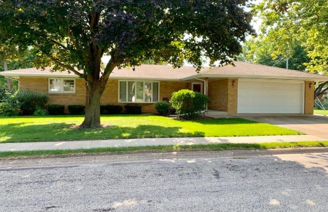 592 North Maple Street - 592 North Maple Street, Herscher, IL 60941