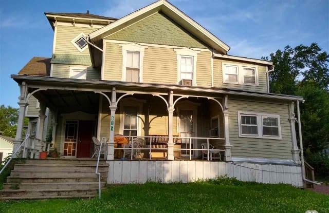 615 Ohio - 615 Ohio Street, Lawrence, KS 66044