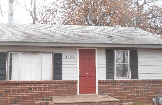 4229 W Maple St - 4229 West Maple Street, Springfield, MO 65802
