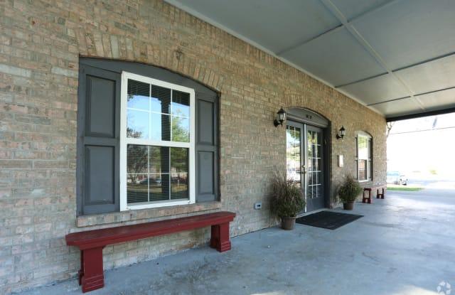 King Solomon Apartments - 1512 E 10th St, Jeffersonville, IN 47130