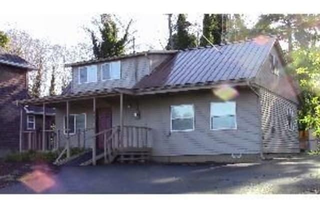 740 Sw Coast Ave - 740 Southwest Coast Avenue, Depoe Bay, OR 97341