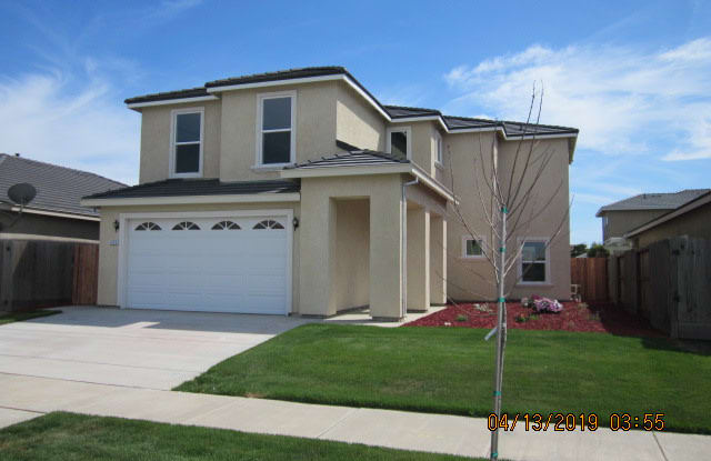 1374 Cassis Dr - 1374 Cassis Drive, Merced, CA 95348