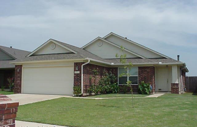 2717 Edgemere Dr. - 2717 Edgemere Drive, Norman, OK 73071