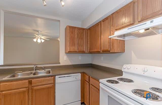Jefferson Park Apartments - 1220 Missouri Ct, Liberty, MO 64068