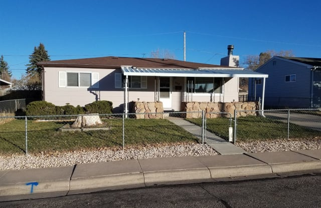 213 Stanfield Avenue - 213 Stanfield Avenue, Cheyenne, WY 82007