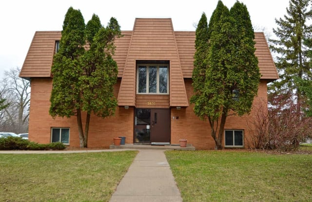 17th Avenue Flats - 2635 Helen St N, North St. Paul, MN 55109