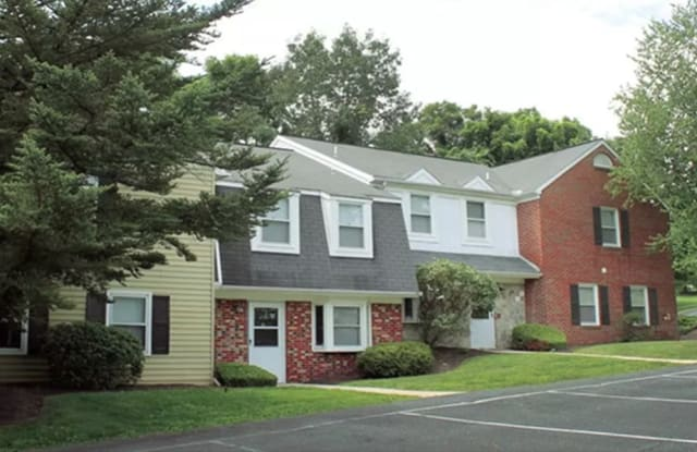 The Village of Laurel Ridge - 399 Ringneck Dr, Harrisburg, PA 17112