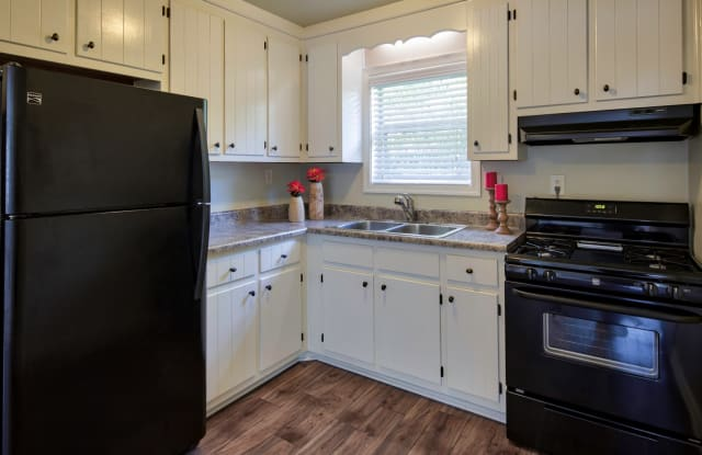 The Sterling Apartment Homes - 4271 Taylor Road, Chesapeake, VA 23321